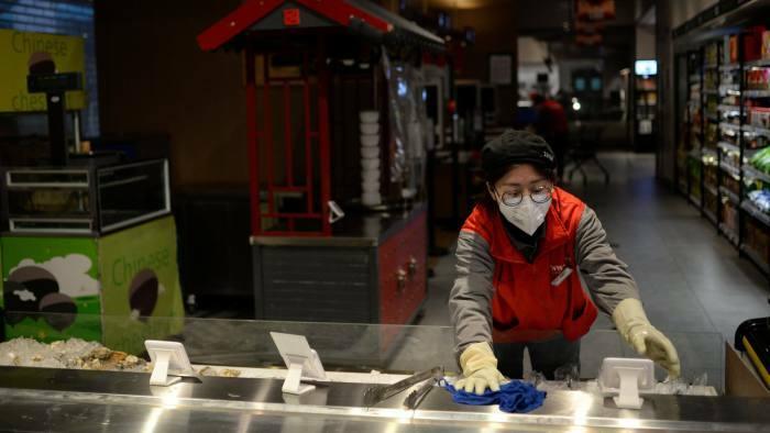 Trung Quốc chật vật tái khởi động nền kinh tế