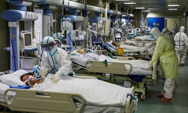Bác sĩ cầu xin khẩu trang ở tuyến đầu chống virus corona