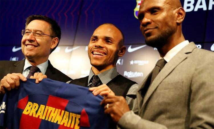 Abidal nhận sai vụ chỉ trích cầu thủ Barca