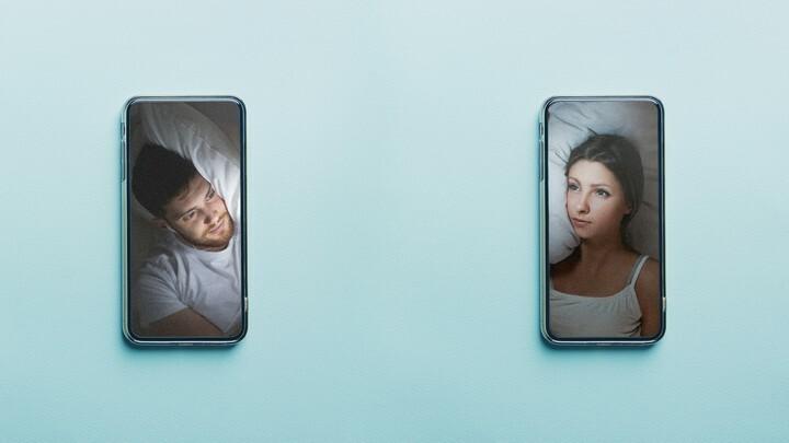 Những tình nhân 'ngủ cùng' nhau qua video chat
