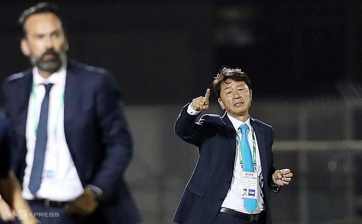 HLV TP HCM: 'Trọng tài là một phần của bóng đá'