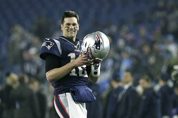 Tom Brady rời Patriots