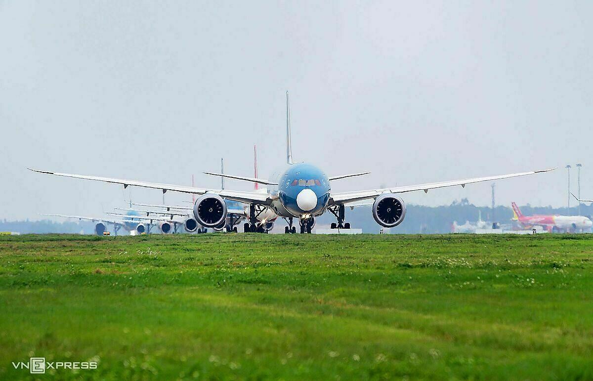Nhiều hãng hàng không Việt dừng bay quốc tế