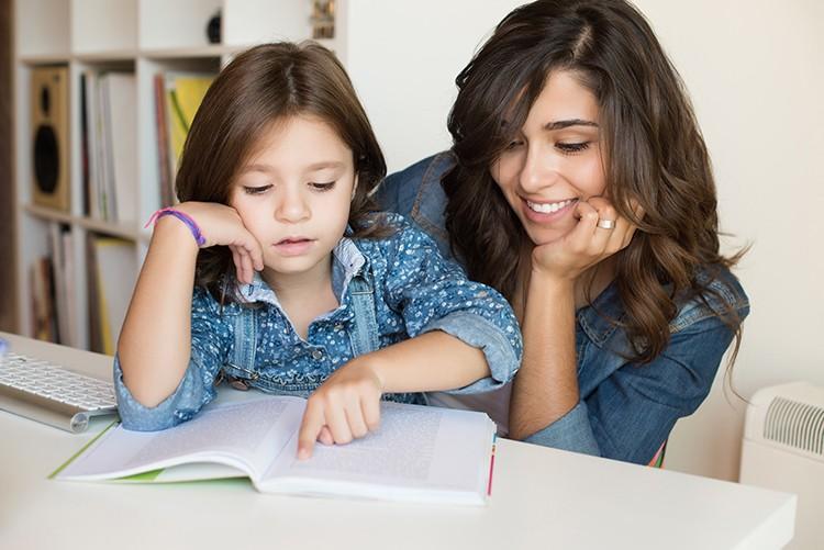 Dạy tiếng Anh tại nhà cho con